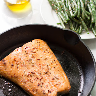 Quick Easy Broiled Salmon.