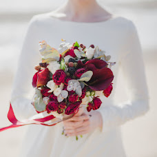 Wedding photographer Polina Rumyanceva (polinahecate2805). Photo of 18.09.2017
