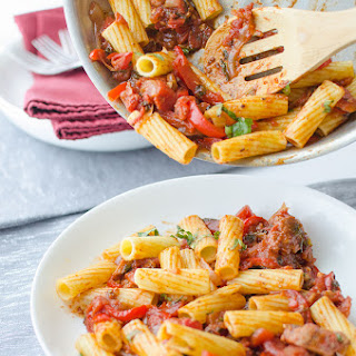 Rigatoni with Red Peppers & 'Sausage'