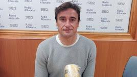Fran Noguerol en los estudios de la Cadena SER en Albacete.