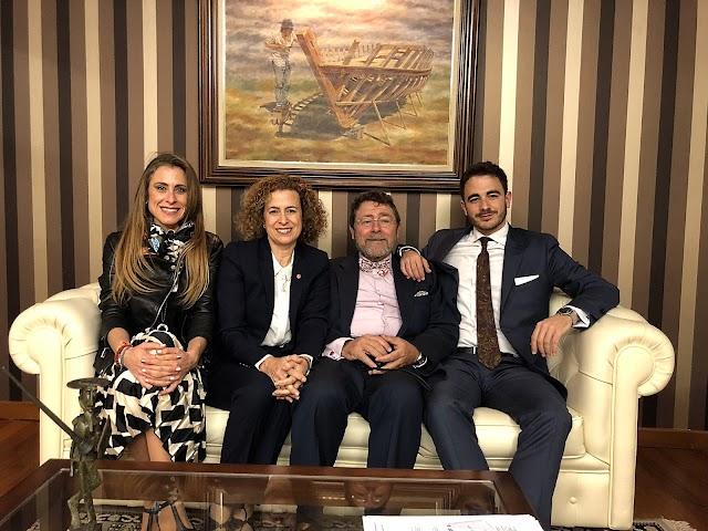 Juan Ronda y Amalia Sánchez junto a sus hijos, Juan y Amalia.