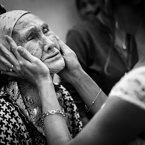 True feelings by Cristian Manolache - People Family ( love, journalism, wedding photography, bride, moments, grandmother )