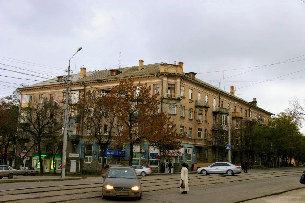 https://sites.google.com/site/istoriceskijtaganrog/frunze-ulica/dom-62