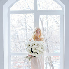 Wedding photographer Oksana Polyakova (polyakovaoxana77). Photo of 03.08.2017
