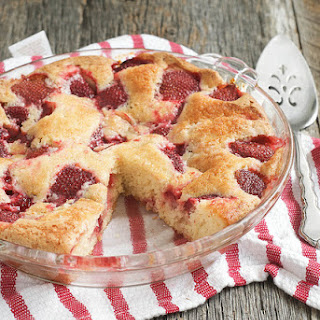 Summer Strawberry Cake.