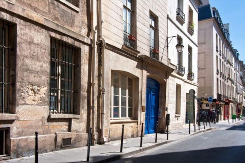 Outside - Saintonage Marais-the village charm!