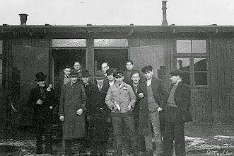 Photo: Wünschendorf im Erzgebirge  - wahrscheinlich Arbeiter der Seifertmühle  oder?
