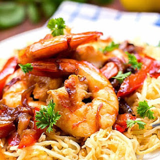Pan-Fried Noodles with Prawns
