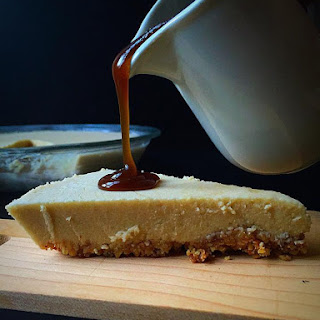{Vegan + GF} Maple Cheesecake with Caramel Sauce!