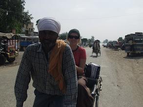 Photo: Petra v rikše za 10 i.r., pak ale s Petrem vyměkli a dali pod lehkym natlakem 20