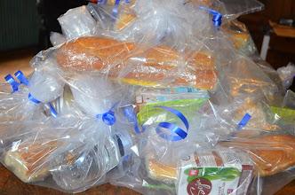 Photo: Action citoyenne pour aider les sans voix à Lille. Nourriture Vegan