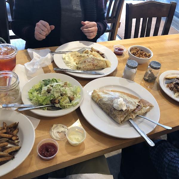 Photo from Cafe Avalaun