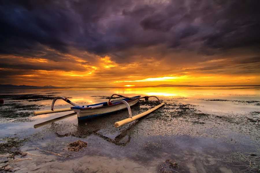 the clouds by I Made  Sukarnawan - Landscapes Beaches ( clouds, bali, sunset, sunrise, landscape )