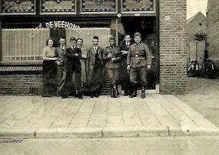 Photo: 1943 Café De Veehandel Dreef 85 in de oorlogsjaren