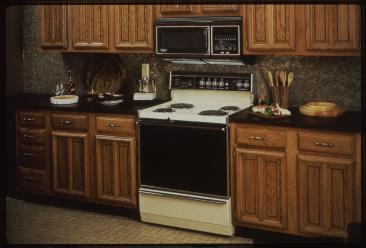 1978 spacemaker microwave oven