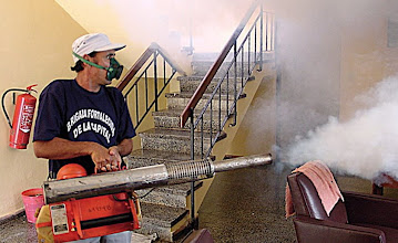 Photo: fumigating for musquitos, cuba. Tracey Eaton photo