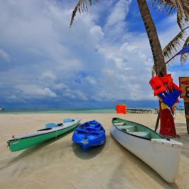 Caraibi by Vito Masotino - Transportation Boats