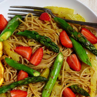 Vegan Spring Spaghetti with Asparagus and Strawberries Recipe