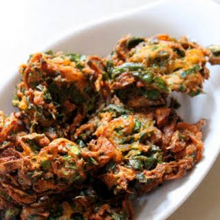 Palak Pakoda Recipe Crispy or Palak Pakora.