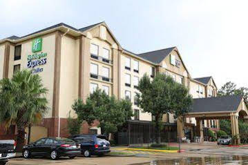 Holiday Inn Express and Suites Houston West Energy Corridor