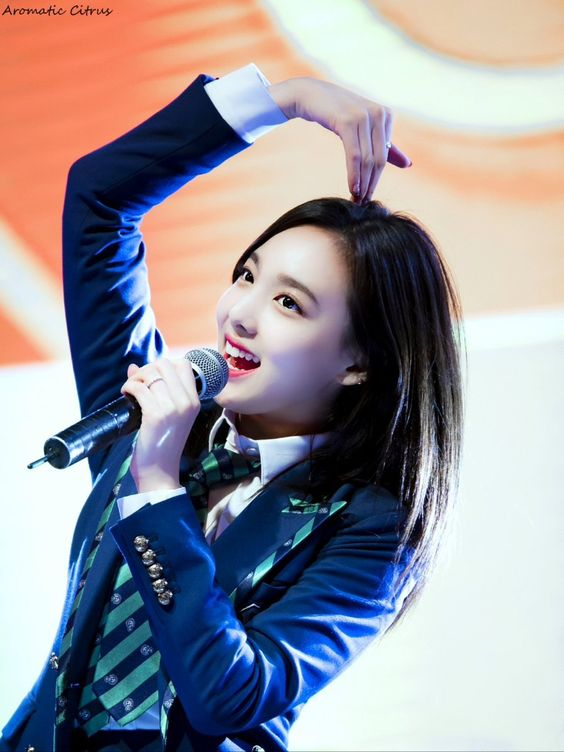 nayeon uniform 20
