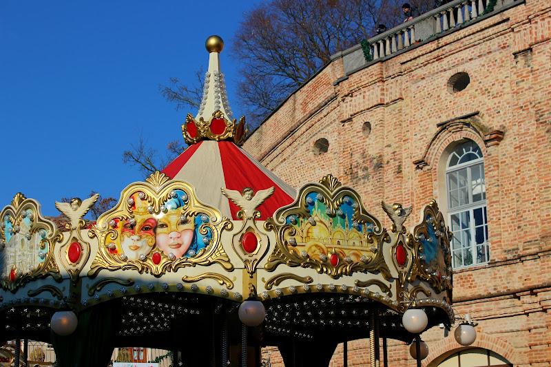 Life's a Carousel di Joonie94