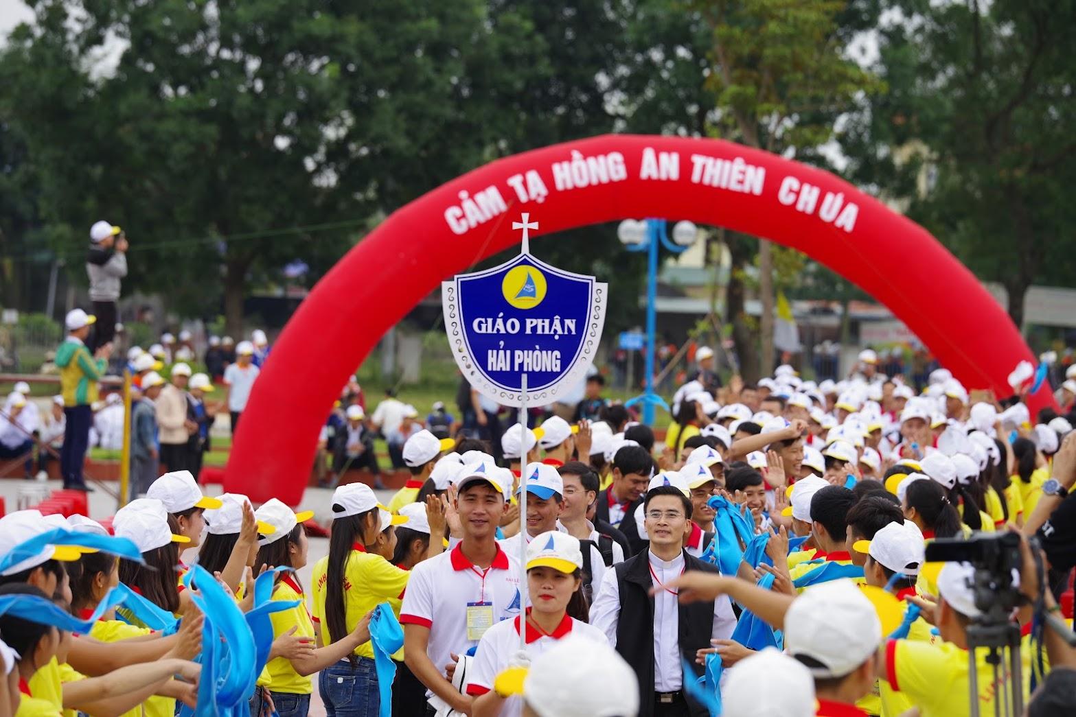 Những hình ảnh đẹp về lễ khai mạc Đại Hội Giới Trẻ giáo tỉnh Hà Nội lần thứ XV tại Thanh Hóa - Ảnh minh hoạ 4