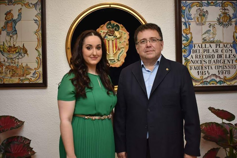 Nombramiento de la Falleras Mayores y Presidente infantil de la Plaza del Pilar