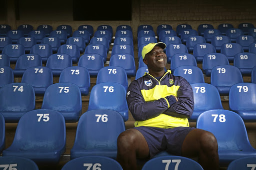 A hot seat in the front row is just one part of Ottis Gibson's new job as South Africa's cricket coach. The Barbadian must balance selections with transformation and a burning national desire for 2019 World Cup glory in two years' time.