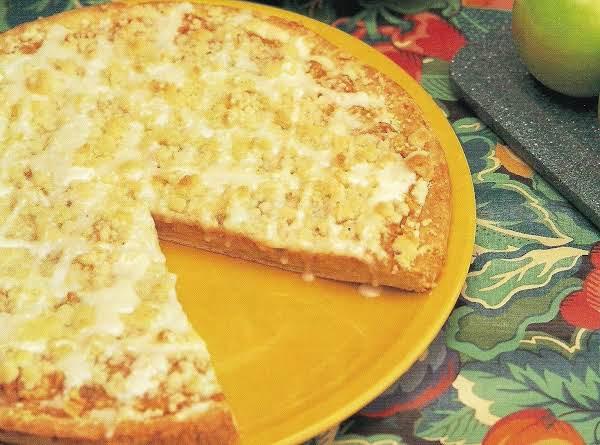 Apple Streusel Dessert Pizza