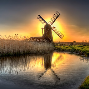 Herringfleet Smock Windmill, Suffolk, England by Dave Byford - Buildings & Architecture Other Exteriors ( color, england.uk, herringfleet, windmill, water, drainage mills, mill, norfolk broads, colour, norfolk, waterscape, sunset, drainage, landscape )