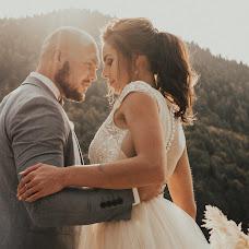 Wedding photographer Yulya Kamenskaya (kamensk). Photo of 03.01.2018