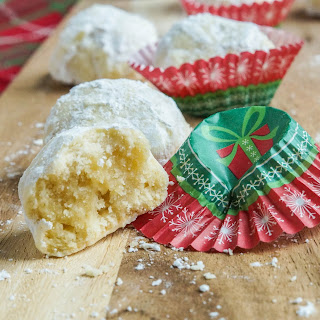Kourambiethes (Greek Shortbread Cookies)