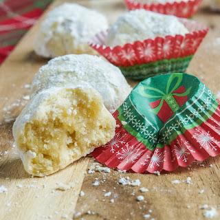 Kourambiethes (Greek Shortbread Cookies).