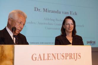 Photo: Uitreiking van de Galenus Researchprijs 2006 aan dr. Miranda van Eck in Naturalis te Leiden foto © Bart Versteeg