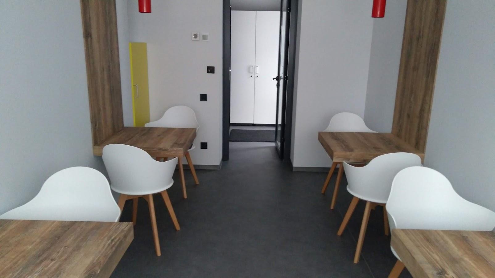 Навесные столы, пластик hpl