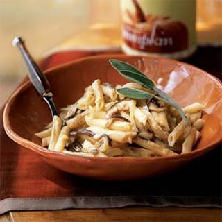 Pasta with Mushrooms and Pumpkin-Gorgonzola Sauce