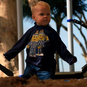 by Samual Davis BMmSt CQU - Babies & Children Children Candids ( child, sand, people. portrait, games, playground, play, little, fun, game, kid )