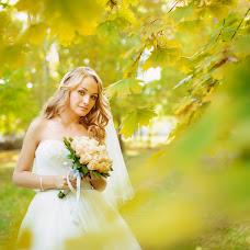 Wedding photographer Oksana Benyaminova (Anasko). Photo of 13.10.2014
