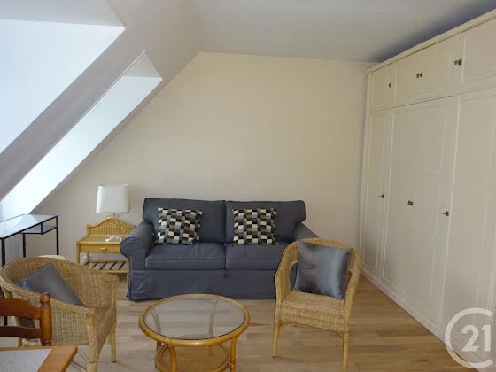 Location studio meublé 22,36 m2