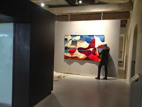 """Photo: Des Horizons blancs, bleus de Michel Tourlière, fin de la section """"Aritstes contemporains"""""""
