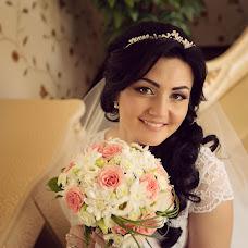 Wedding photographer Aynura Dusimova (Raymoon). Photo of 20.06.2016