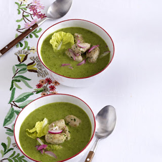 Lettuce Soup with Veal Meatballs