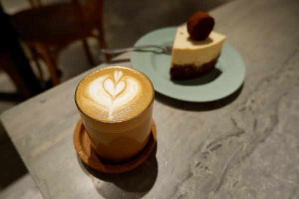 初訪 true from - 你以為的網美咖啡店可能比你想的還要有深度。