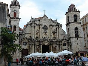 """Photo: Гавана. Как это не странно, но соборы """"обошли стороной"""" революцию."""