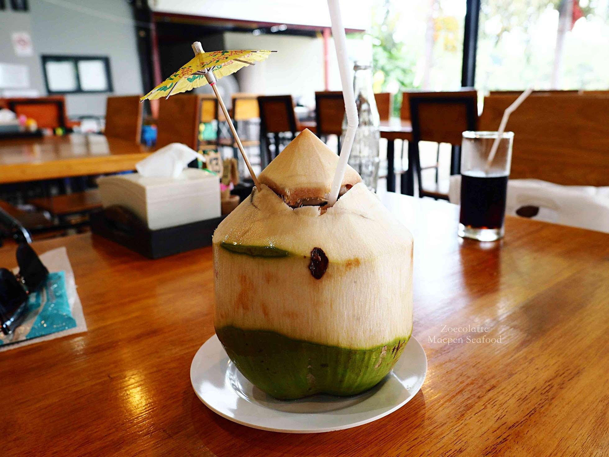 Coconut water 椰子水