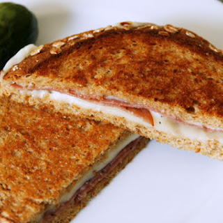 Grilled Mozzarella and Pepper Salami Sandwiches Recipe