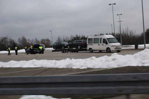 Kontrollmaßnahme der Bundespolizeiinspektion Pasewalk am ehemaligen Grenzübergang Pomellen am 07.02.2017 mit Unterstützung einer Mobilen Kontroll & Überwachungseinheit (Bild A.M.)