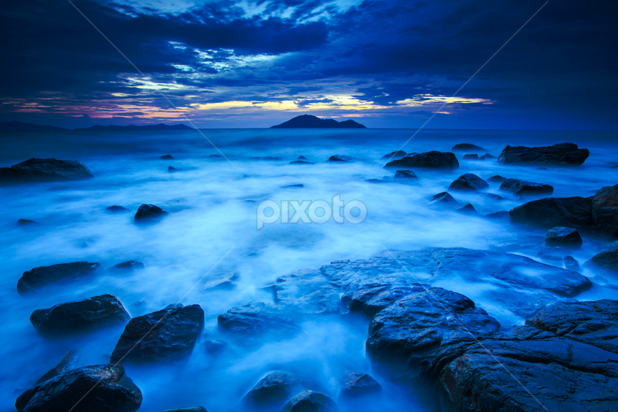 blue hour by Hyung Ryu - Landscapes Beaches