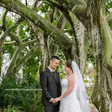 Wedding photographer Stacey Gower (thisdayphoto). Photo of 13.02.2019
